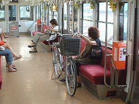 車内の自転車